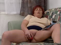 Mature redhead woman goes crazy sucking