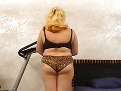 Casting busty lady