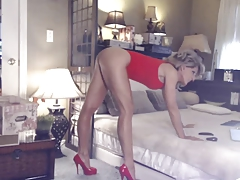Hottest Milf Ever Fucks Her Ass & Cunt On Cam