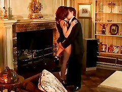 Flame haired whore Dominica Leoni gets her hot pussy mound spurted with jizz