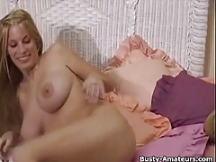 Mary open wide her pussy and begin to masturbates while on c