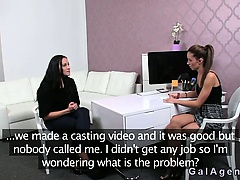 Female agent fingring brunette amateur on casting