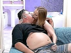 Teen beauty blows a fat old guy