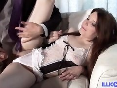 Angela is providing one of the greatest oral jobs ever to a married fellow she luvs alot