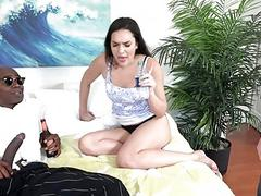 Paisley Parker fucks her black lover