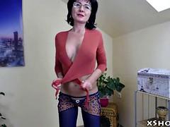 gorgeous amateur milf webcam show