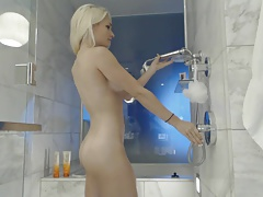 Blonde webcam goddess 26 - shower orgasm