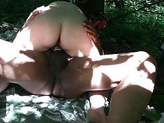 baisee dans les bois