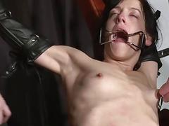 Enslaved painslut Elise Graves whipping in hard bd