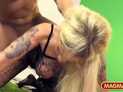German Casting for a blonde Milf
