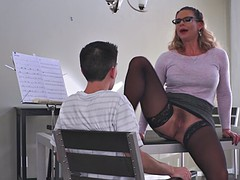 phoenix marie gives him a taste of her pussy