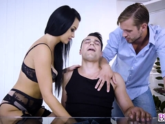 Nick Vargas plowing Daphne Klydes moist pussy