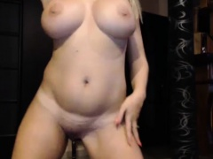 Milf Performing Her Live Webcam Sex Show