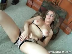 Great sexy body blonde slut part1