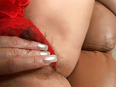 Very sexy mature fucking in couch
